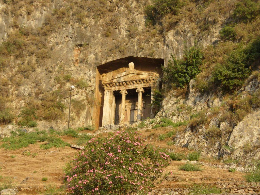 Amintas-Kaya-Mezarları