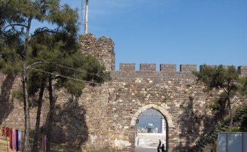 Kadifekale Kalesi İzmir