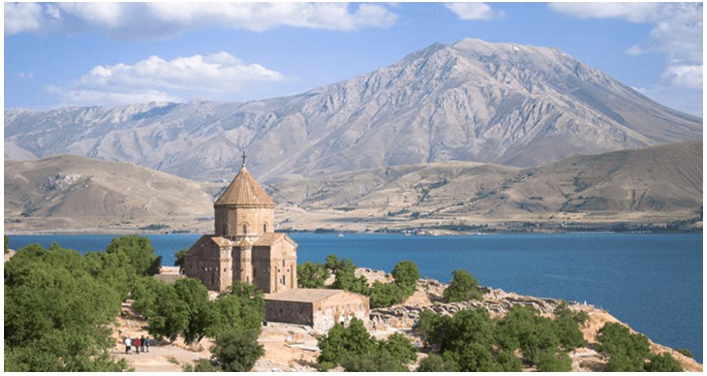 Akdamar Adası Tarihi ve Efsanesi